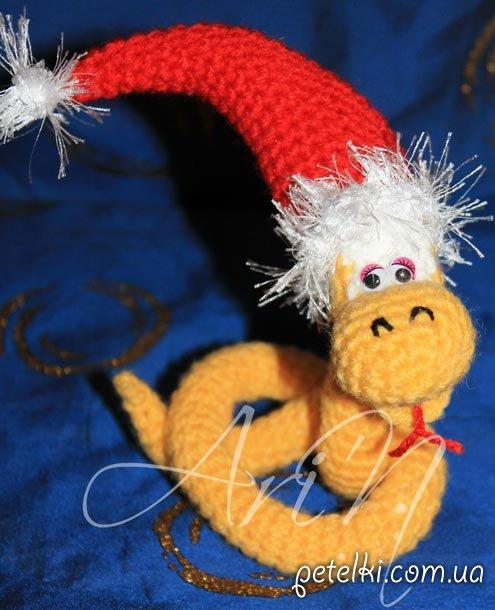Вязаная змейка желтая. Модель И2