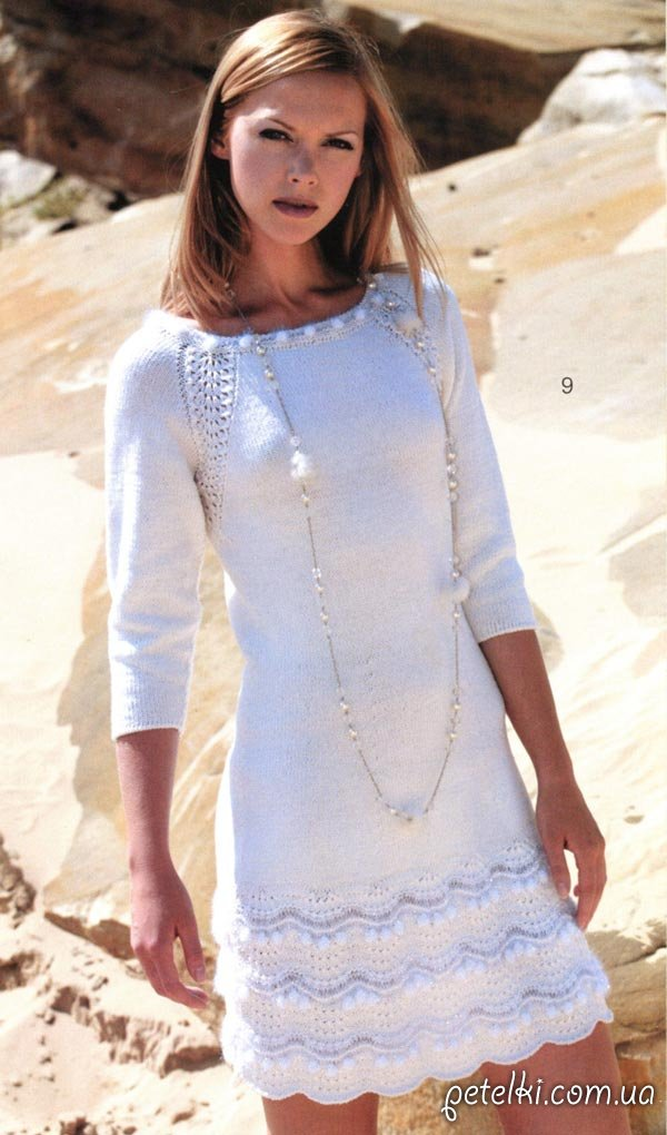 Нарядное белое платье спицами.