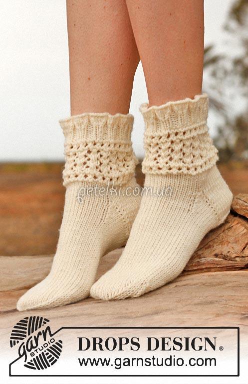 Нежные носочки спицами с ажурной вставкой. Описание, схемы