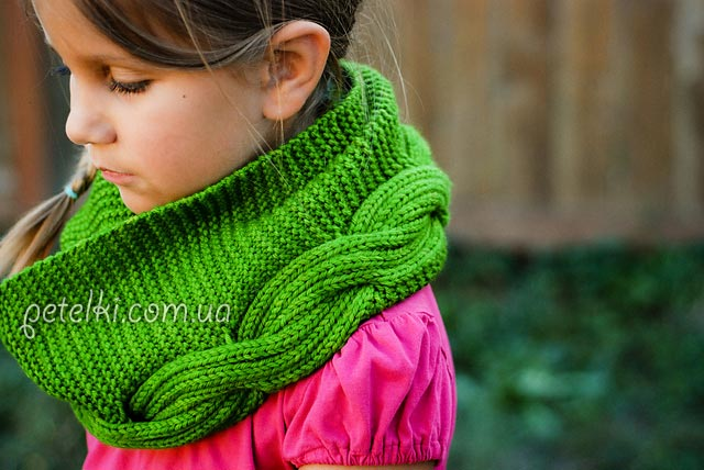 Красивый шарф-снуд спицами.