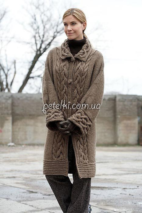 Пальто спицами с планками из