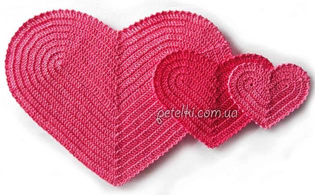 Вязаные сердечки - сувениры ко