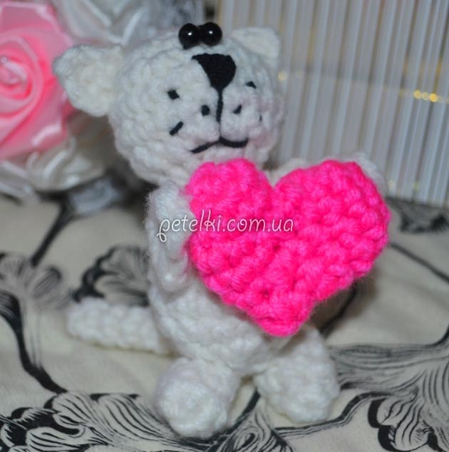 Амигуруми. Котик с сердечком. Мастеркласс по вязанию крючком