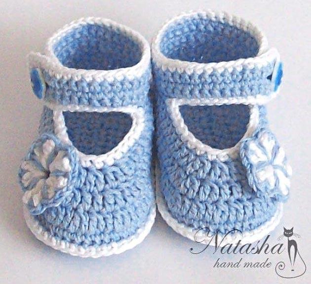 Пинетки-туфельки с цветочком. Как вязать